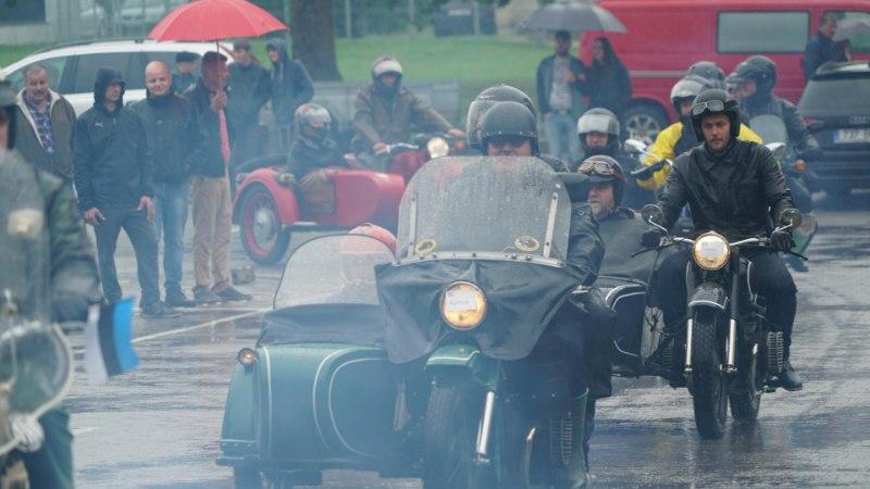 GALERII | Paides peeti esimest külgkorviga mootorrataste kokkutulekut