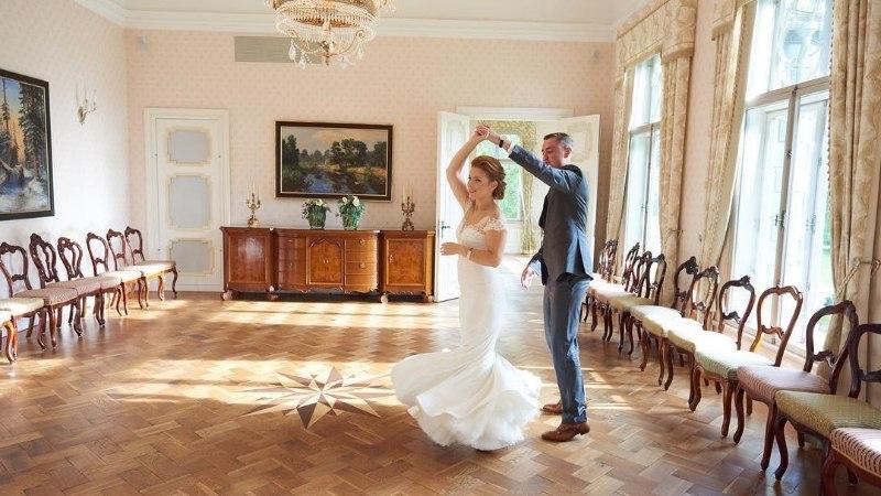 KAUNID KAADRID | Luisa ja Taavi Rõivas tähistasid esimest pulma-aastapäeva