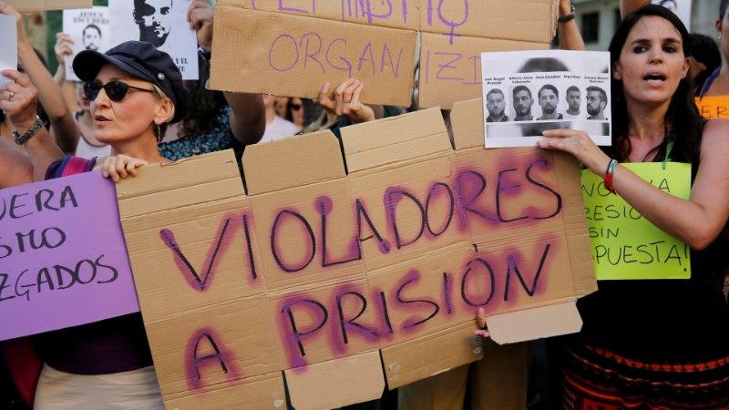 Kohalikud ei lubanud Hispaania seksuaalkurjategijate jõugul basseinis pidutseda