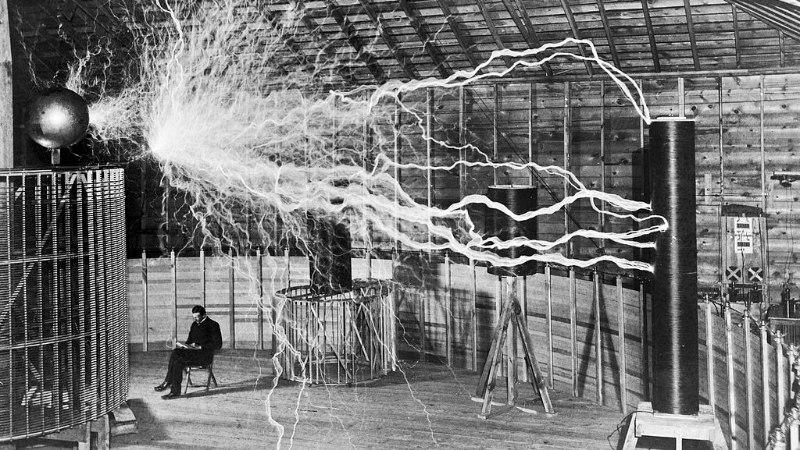 Tesla torn pidi katma maailma elektriga