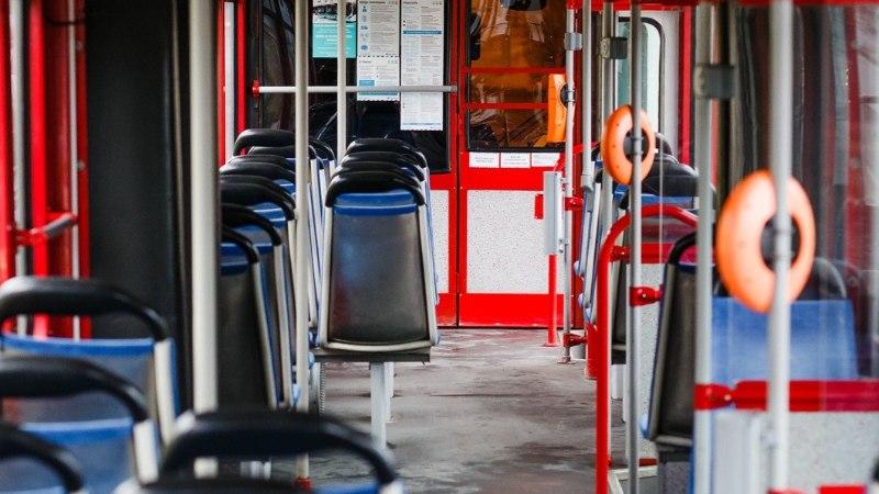 Sõitvast trammist poisi välja tõuganud noored võivad olla osa suuremast jõugust