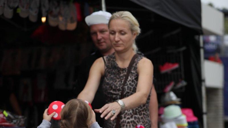 GALERII | Vanemad süstivad lastele 90ndate armastust: festivalil We Love The 90s lustis hulgim põnne