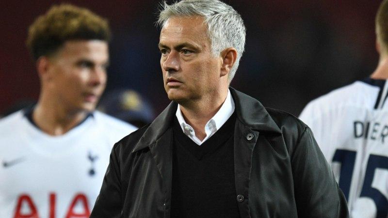 Puuduvad alternatiivid ja igatsetud stabiilsus ehk miks püsib Mourinho Unitedi tüüri juures