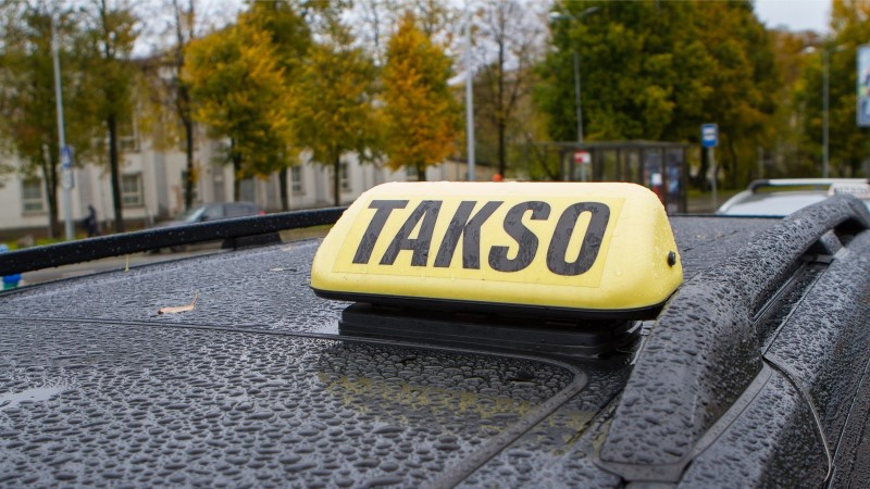 До 2500 евро в год за страховку! Таксисты подозревают страховщиков в картельном сговоре