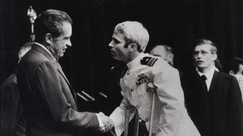 McCaini kannatused Vietnamis: peksmine, düsenteeria ja keskaegsed piinamisvõtted