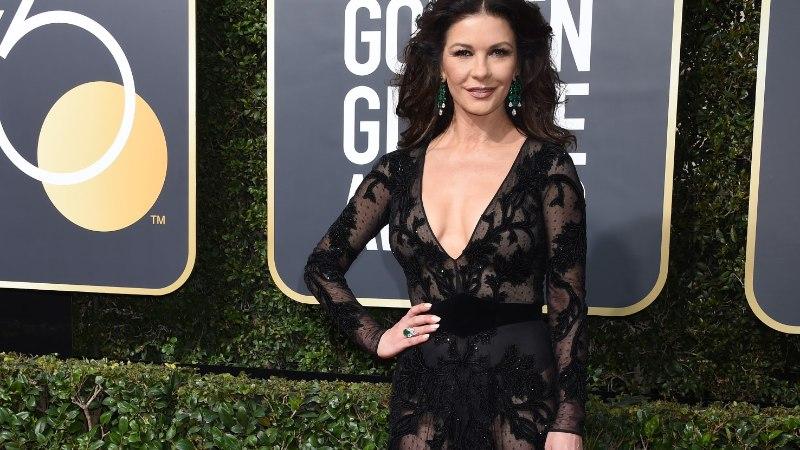 ELEGANTNE, SEKSIKAS JA NII NOORUSLIK: 48-aastane Catherine Zeta-Jones võtab sõnatuks!