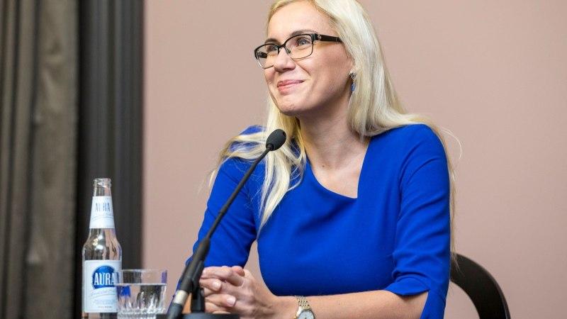 Simson: Eesti toetab kellakeeramise lõpetamist