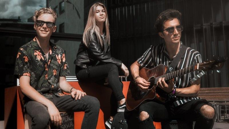 ÕL VIDEOINTERVJUU | Noortebändi poolfinalist AROUND THE SUN: nendel päikesepoistel tasub silma peal hoida!