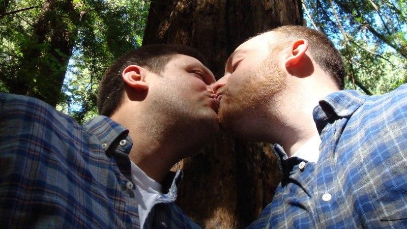NÕU MEHELE: kuidas öelda abikaasale, et oled homo?