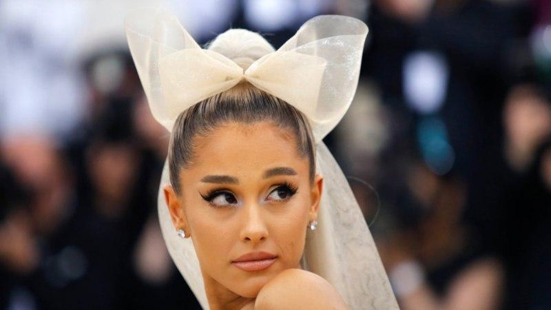 Ariana Grande mälestab surnud ekskallimat