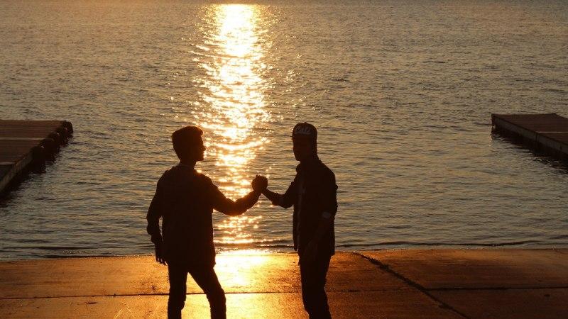 PURJUSPÄI KOOS SEMUGA VANNIS: millised on heteromeeste kõige intiimsemad hetked sookaaslastega?