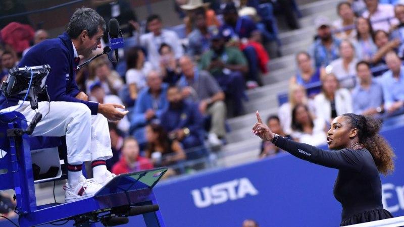 Serena Williamsiga tülli läinud peakohtunik varjas end pärast mängu hotellis