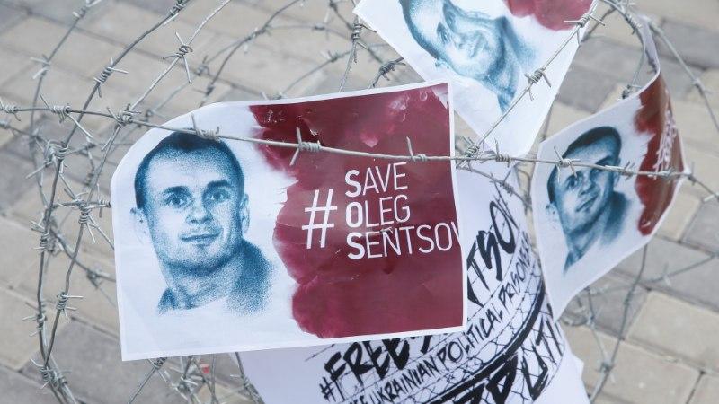 Крупнейшая фракция Европарламента выдвинула Сенцова на премию Сахарова