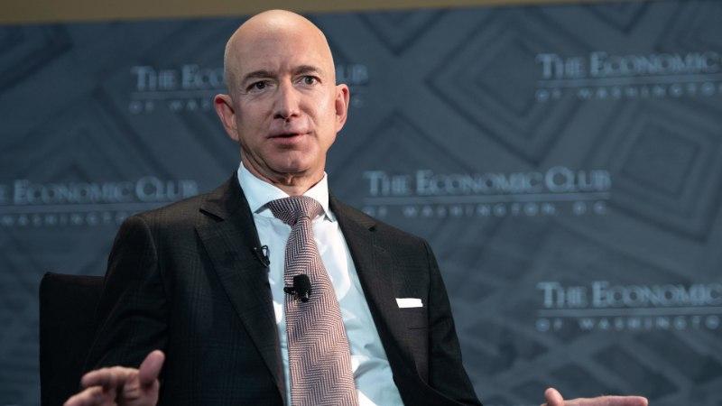 Maailma rikkaim inimene annetab vaestele kaks miljardit dollarit