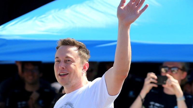 SpaceX выбрала первого туриста для полета вокруг Луны