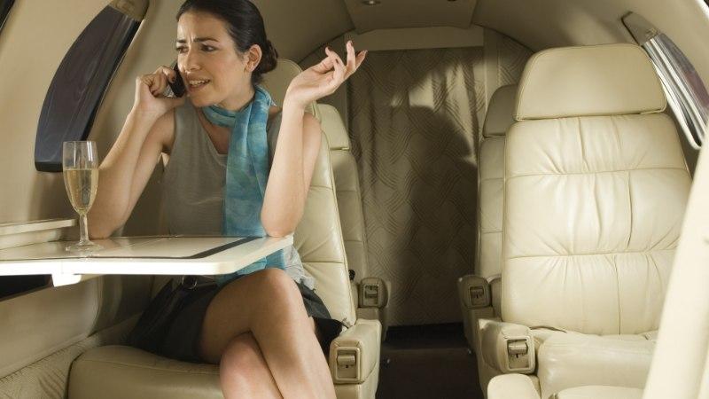KARM ALKOPOLIITIKA: Dubai lennul soovitatakse mitte alkoholi tarbida