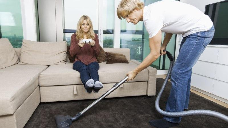 Неожиданно: мужчинам уборка дома нравится больше, чем женщинам