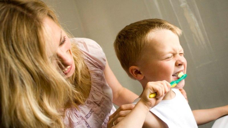 HAMBAARST: väga eksitav on arvamus, et piimahambaid ei pea eriti hoidma