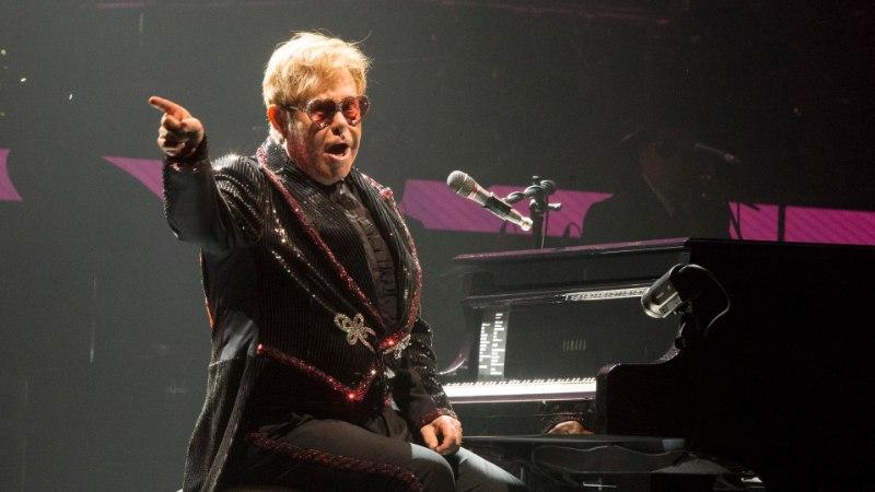 Lapse sandistamises süüdistatud Elton saab valuraha