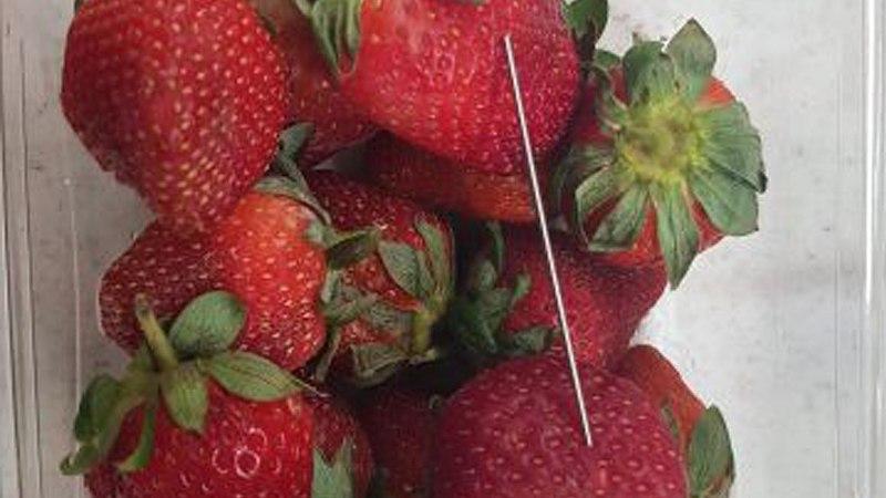 В Новой Зеландии австралийскую клубнику изъяли из продажи из-за игл в ягодах