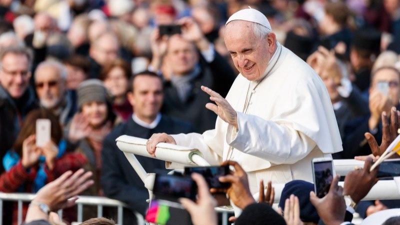 Kaarli kirikus kõne pidanud Lisbel Serbin: tänasin paavsti, et mul oli võimalus temale ja noortele oma lugu rääkida