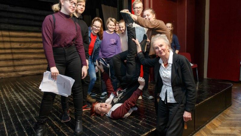 """Teatripedagoog Maret Oomer: """"On öeldud, et teatrisse ei minda, vaid põgenetakse. Hakkasin mõtlema, et äkki ongi nii."""""""