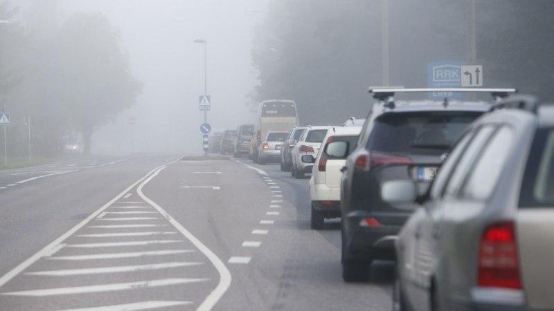 Фото: туман и начало учебного года вызвали пробки в Таллинне