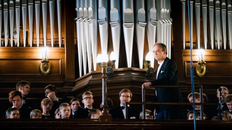 GALERII | Dirigent Roman Toi hing sai lõpuks rahu: ta maeti kodumaa mulda