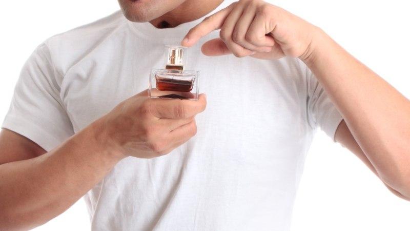 ET NAIST KÖHIMA EI VÕTAKS: kui palju peaks mees kasutama parfüümi?