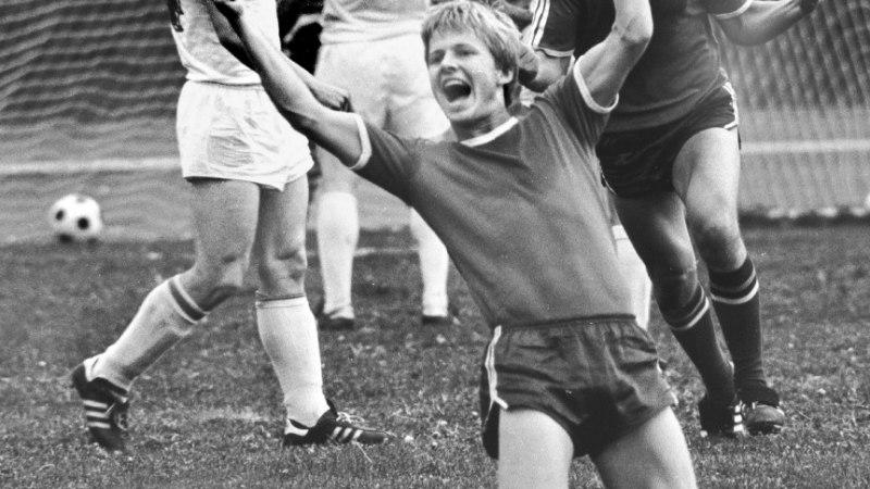 Vene ajal Rootsi elama läinud Eesti jalgpallilegend Tiit Kõmper: jäin suurest sotsialismist pääsenuna töötuks