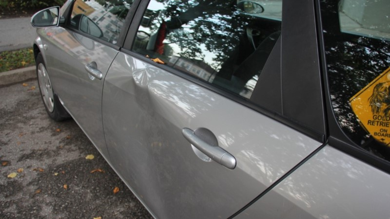 FOTOD | Politsei otsib Reiniku koolihoovis juhtunud avarii tunnistajaid
