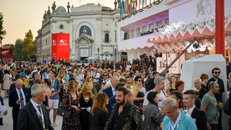 FOTOD   ÕL VENEETSIAS: festivalil linastus järjekordne film Breiviki terrorirünnakust