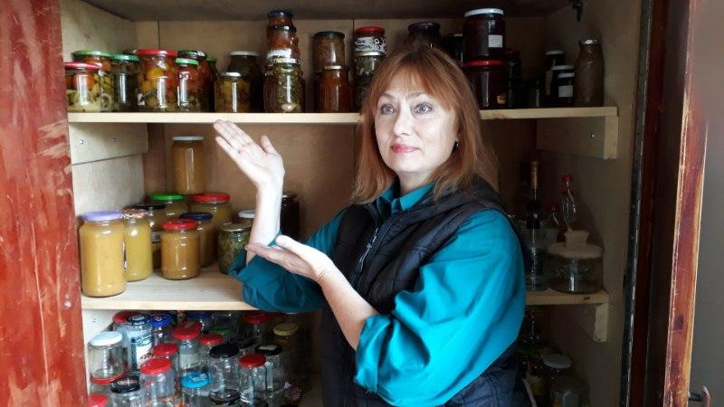 Hoidistama: oma nippe jagab näitleja Carmen Mikiver