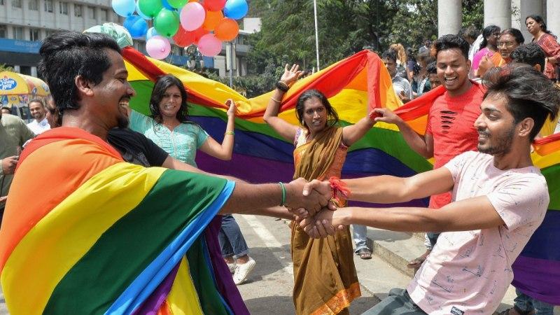 Верховный суд Индии узаконил однополые связи