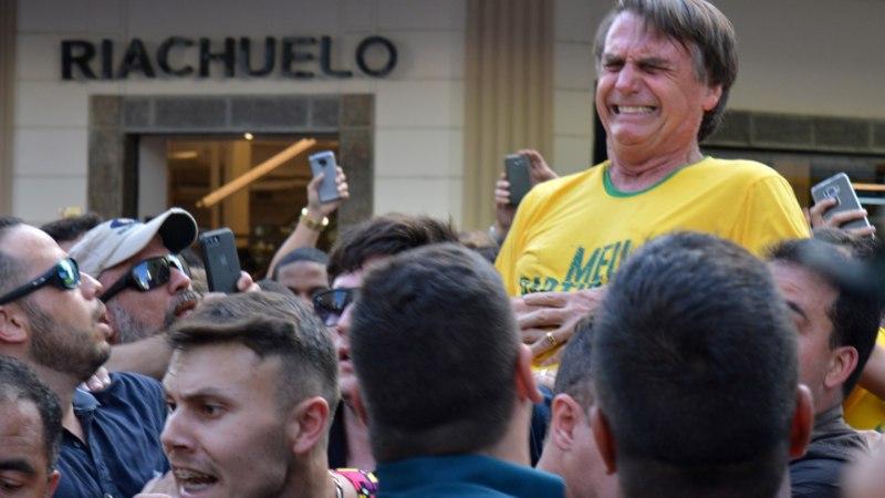 FOTOUUDIS | Brasiilia presidendikandidaat sai kohtumisel valijatega nuga