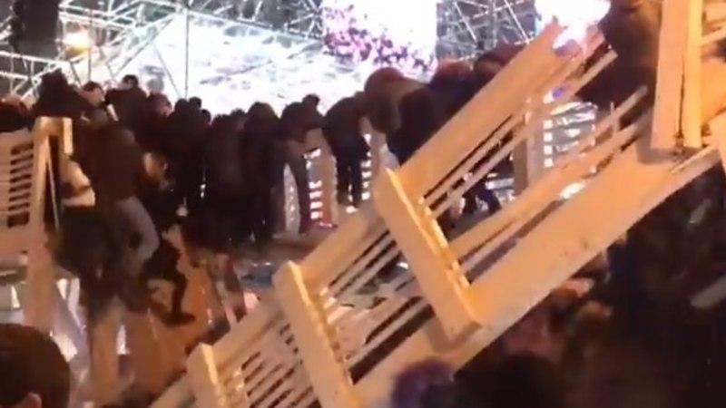 VIDEO | Moskvas varises rahvamassi all kokku jalakäijate sild, 13 inimest sai vigastada