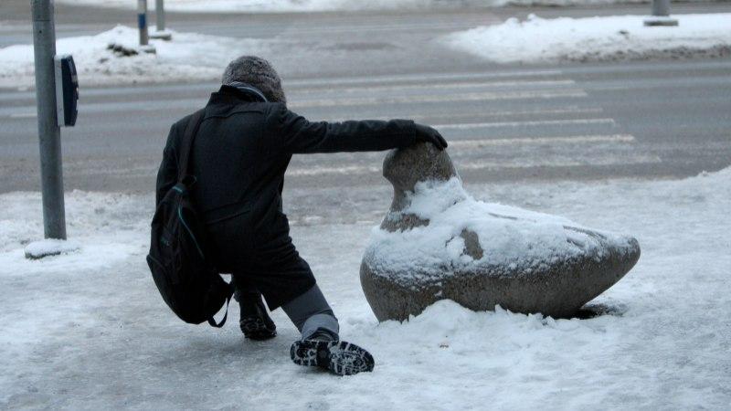Tallinna ametnik: Tallinn on lumest sama hästi koristatud kui Helsingi