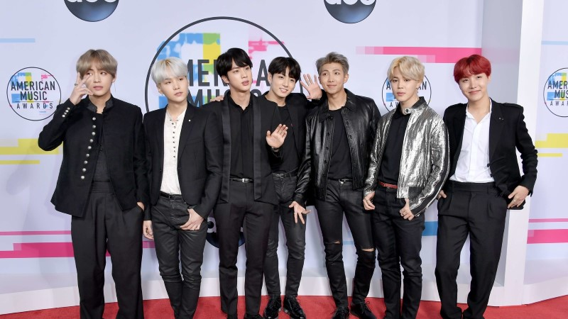 Lõuna-Korea poistebänd BTS võidab südameid ja muudab elusid
