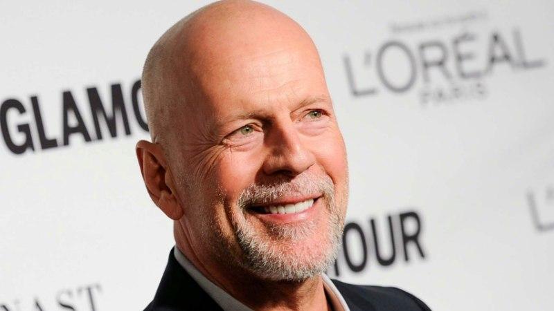 HARULDANE KLÕPS! Bruce Willise kõik 5 tütart üheskoos kaamera ees