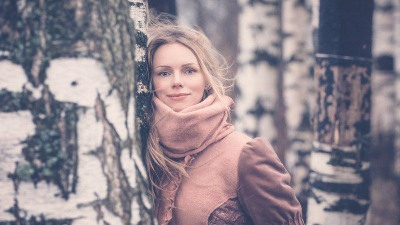 """Kristiina Ehin: """"Olen kirjutanud bussipiletitele, tapeedile ja peitnud luulet põrandalaudade alla."""""""