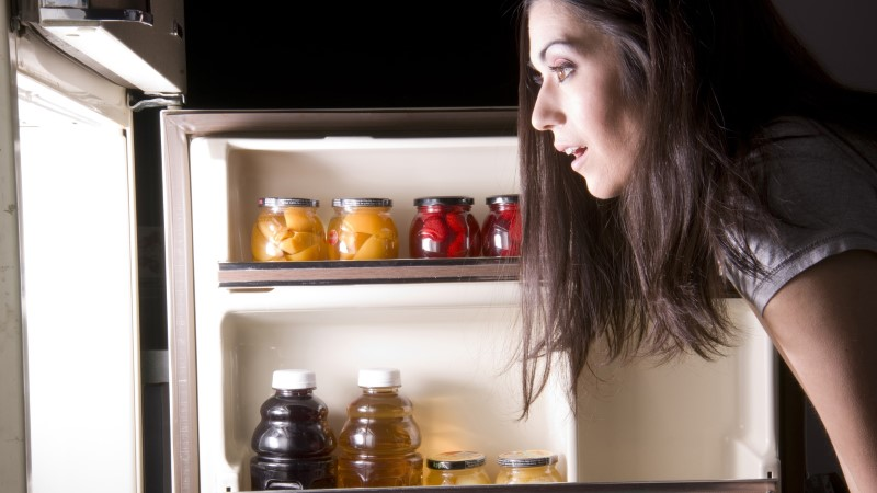 Что происходит с телом, когда вы едите на ночь?