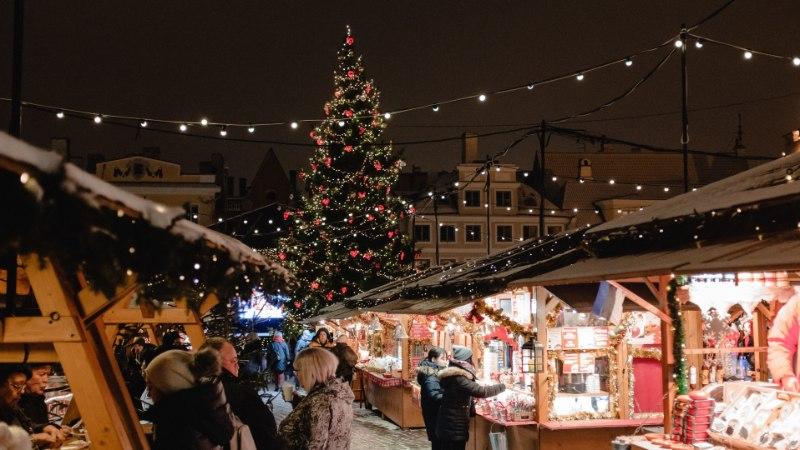 Сегодня закрывается Рождественский рынок на Ратушной площади в Таллинне