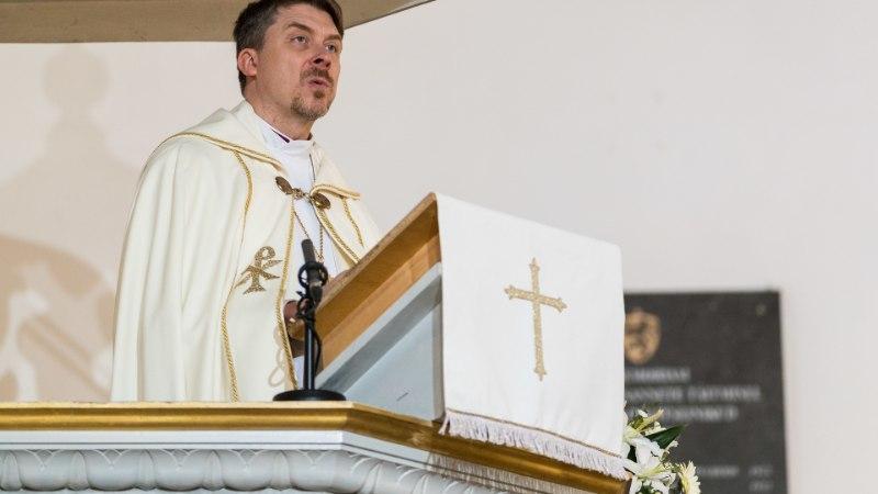 """""""Need kuradi papid käivad Jüri Ratase juures tihemini kui valitsuse liikmed!"""" Valitsus saab kirikuga üha paremini läbi"""