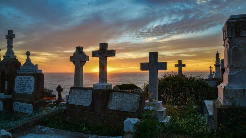 Тело девушки украли из могилы через 20 лет после смерти, чтобы сыграть свадьбу