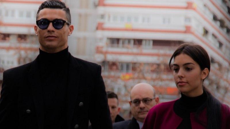 Cristiano Ronaldo pruudi narkokaupmehest isa suri raske haiguse tagajärjel