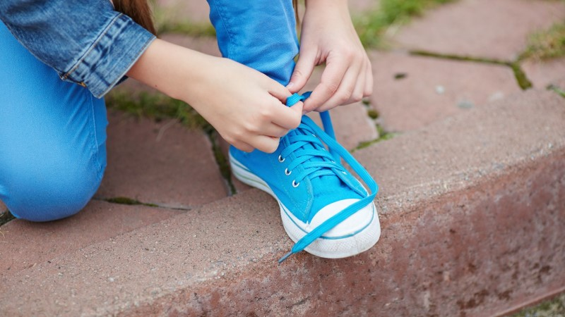 VIDEO | Lihtsaim nipp, kuidas lapsele kingapaelade sidumist õpetada