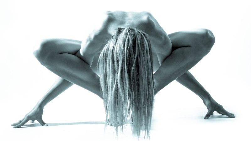 UUS KÕMURAAMAT: sada naist paljastas fotograafile oma jalgevahe