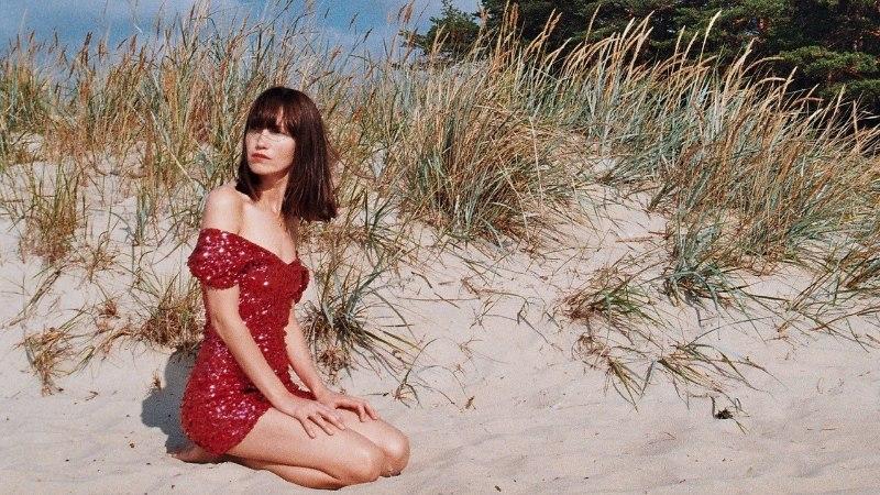 Anna Kaneelina andis välja omanimelise debüütalbumi ja muusikavideo