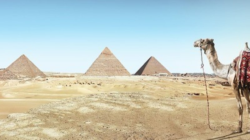 Giza püramiidide läheduses avatakse uus lennujaam