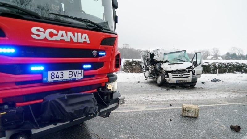 Январь на дорогах в Ида-Вирумаа: пять ДТП, один погибший и четверо пострадавших